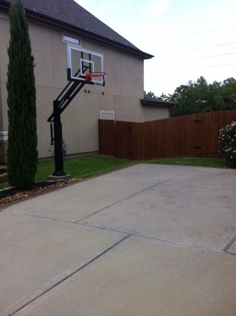 College Basketball Court Dimensions for a Traditional Landscape with a Pro Dunk Gold Basketball System and Dean T's Pro Dunk Gold Basketball System on a 35x30 in Cypress, Tx by Pro Dunk Hoops