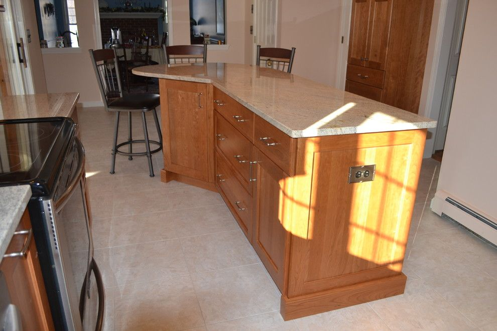 Congoleum for a Traditional Kitchen with a Island Seating and Farmhouse Road Kitchen, Bedford by Granite State Cabinetry
