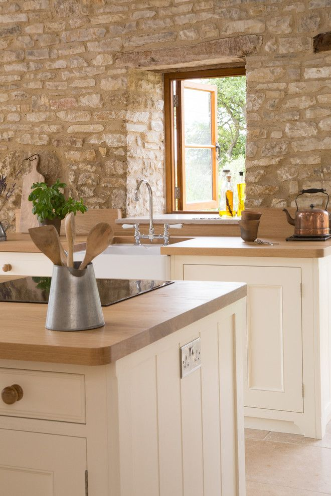 Contra Costa Appliance for a Farmhouse Kitchen with a Traditional Beading and a Traditional Country Kitchen in Stunning Barn Conversion by Sustainable Kitchens