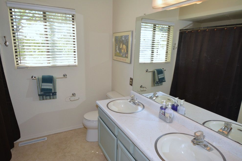 Craigslist Albuquerque Furniture for a Transitional Spaces with a Home Stagers and Home Staging Photos 12404 Morrow Drive Ne by Map Consultants, Llc