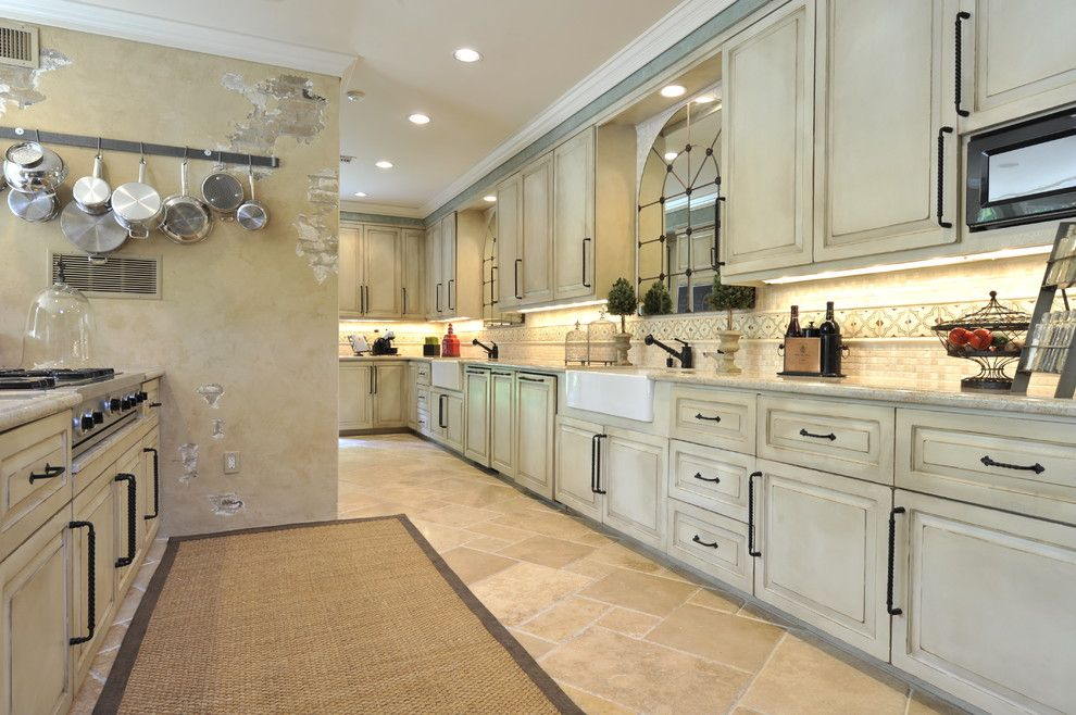 Craigslist Houston Appliances for a Traditional Kitchen with a Double Sink and Tanglewood Transitional by the Design Firm