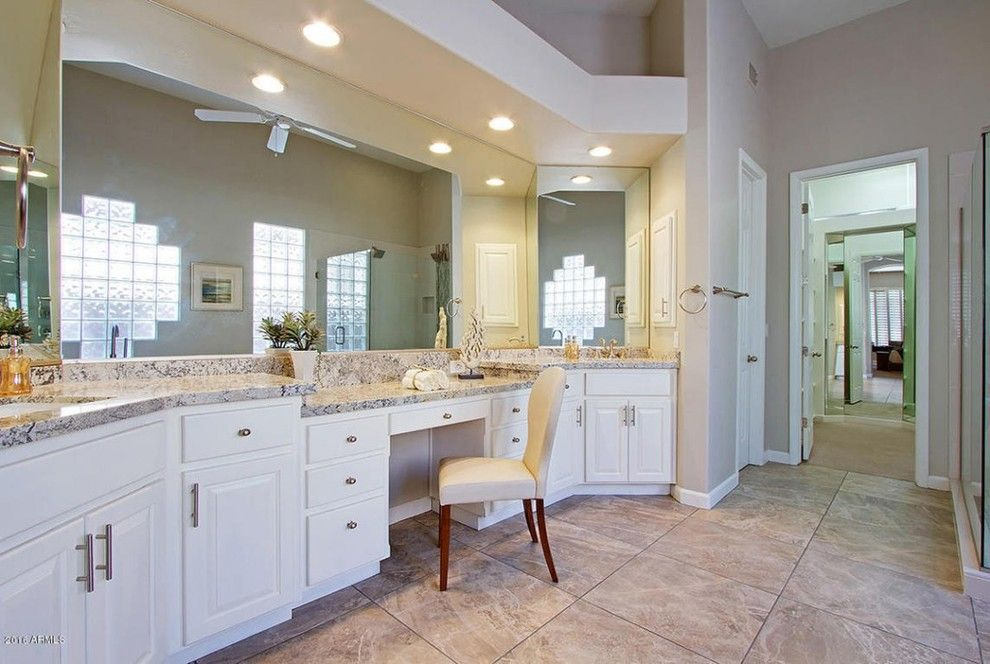 Craigslist Phoenix Furniture for a Transitional Bathroom with a Phoenix Staging and Transitional Home Phoenix, AZ by Staging Furniture/Lavish Interiors