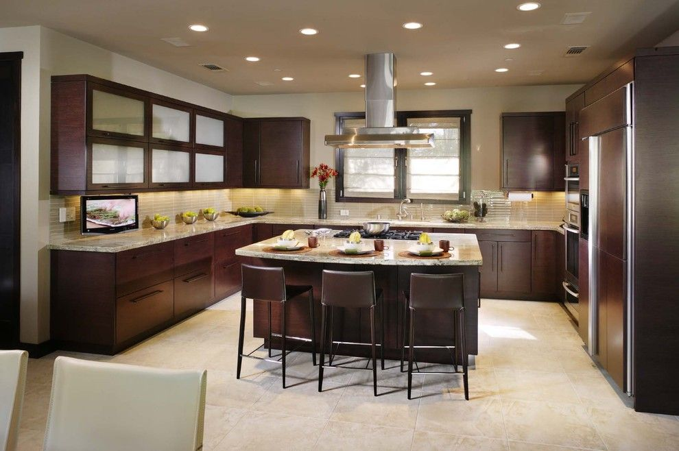 Crescent Springs Hardware for a Contemporary Kitchen with a Dave Adams Photography and Open Plan Kitchen by Debbie R. Gualco