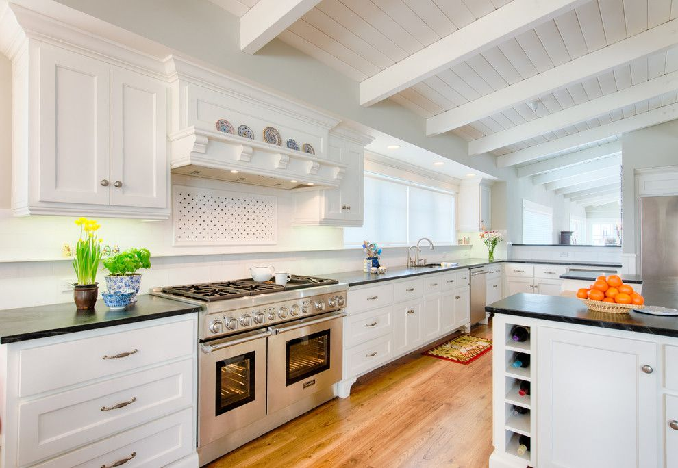 Cumberland Furniture for a Contemporary Kitchen with a Wood Floor and Thermador by Thermador Home Appliances