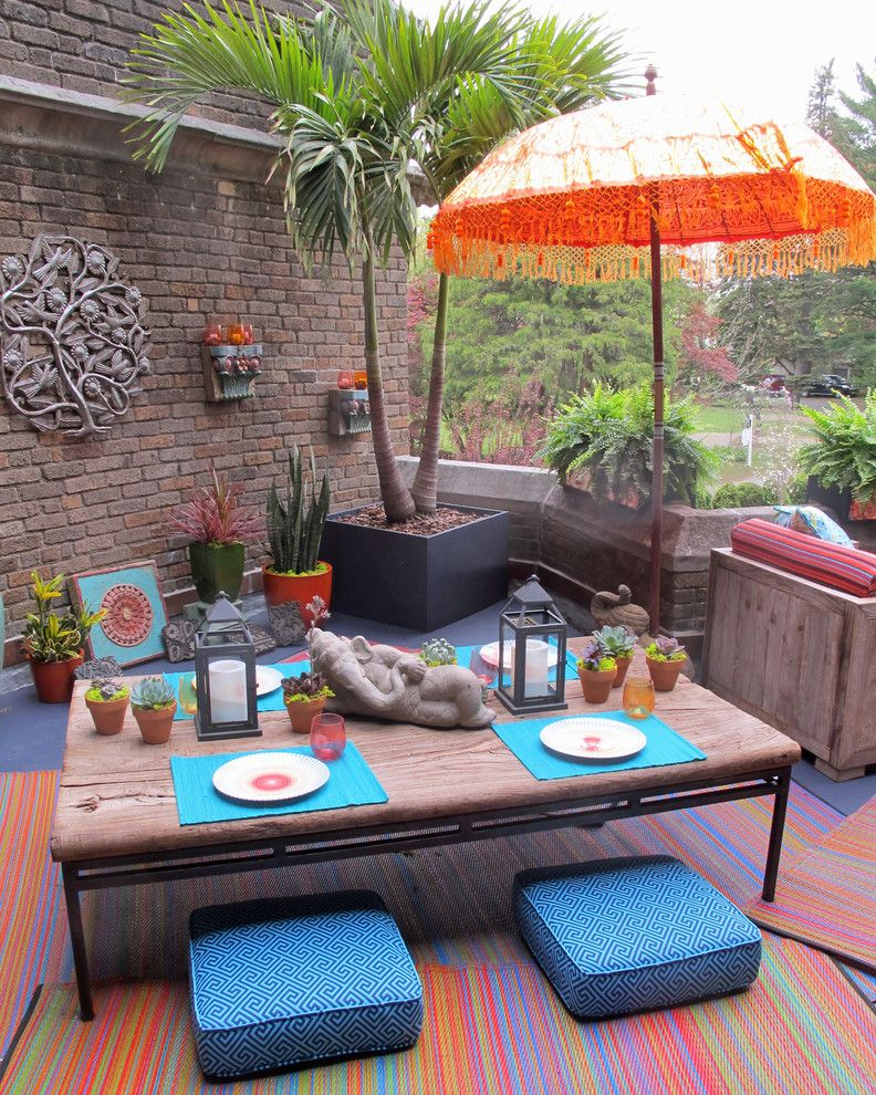 Cusion for a Eclectic Patio with a Recycled Furniture and Glynallyn Terrace by Susan Cohan, APLD