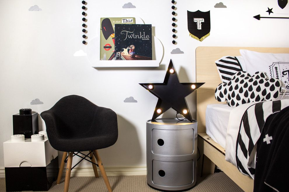 Demising Wall for a Modern Kids with a Stars and Monochrome Toddler Room by Young Folk
