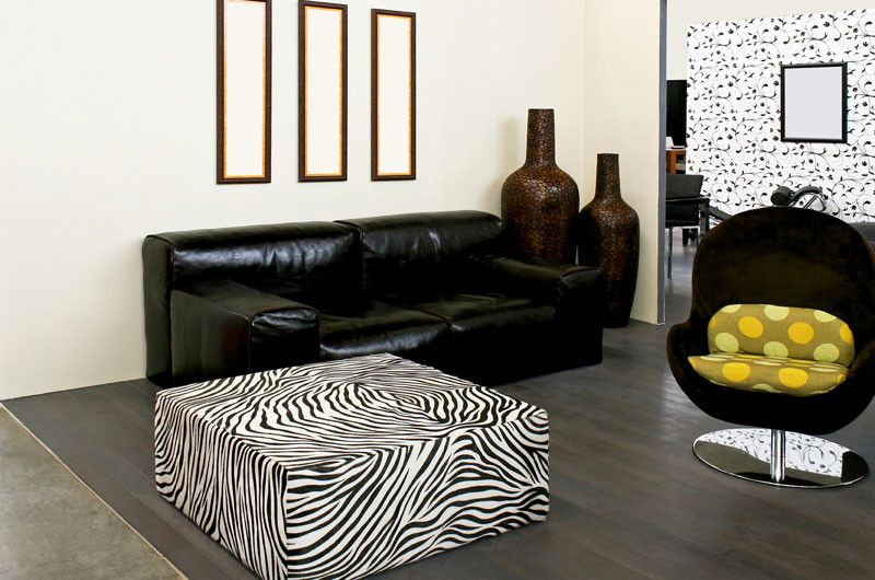 Devco for a Contemporary Living Room with a Contemporary Wood Floor and Www.deco27.net by Deco27