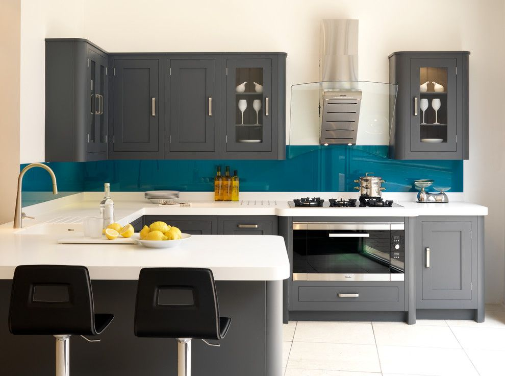 Don Roberto Jewelers for a Transitional Kitchen with a Kitchen Scales and Harvey Jones   Shaker Kitchens by Harvey Jones Kitchens