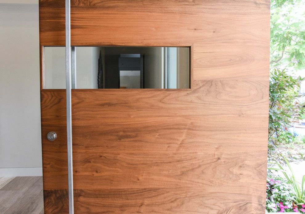 Door Jambs for a Modern Spaces with a Pivot Doors and the Wave Pivot Door in La County by Fenstermann Llc