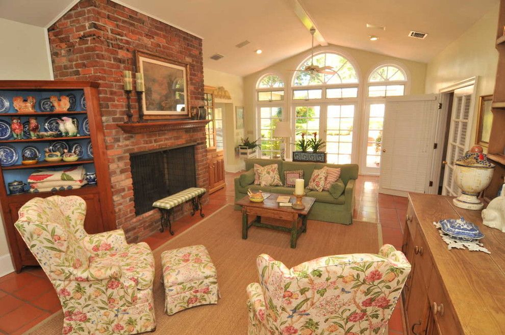 Dr Horton Orlando for a Traditional Family Room with a Fireplace and 2912 Lake Shore Dr ~ Orlando, Fl 32803 by Florida One Real Estate