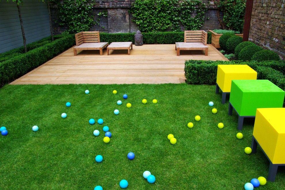 Edens Garden for a Contemporary Deck with a Contemporary Garden and Courtyard & the Smaller Gardens by Laara Copley Smith Garden & Landscape Design