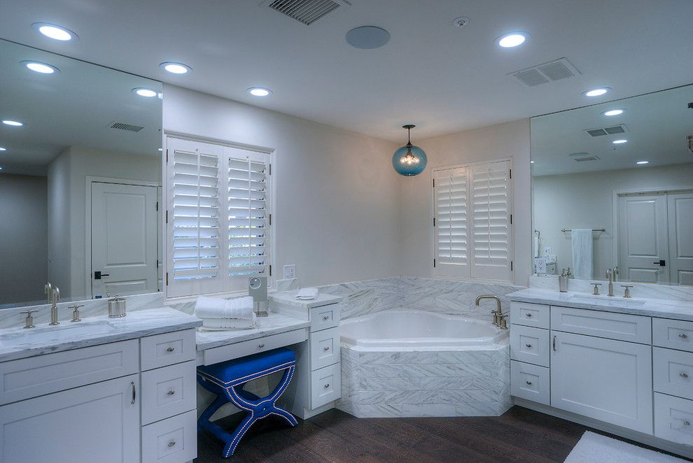 Embassy Suites Scottsdale for a Modern Bathroom with a Open Concept and Del Caverna Home Remodel by Alair Homes Scottsdale