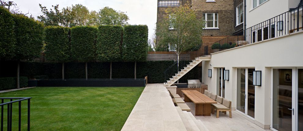 Emkay for a Contemporary Landscape with a Tapis Vert and Contemporary by Mitchell Berry Architects