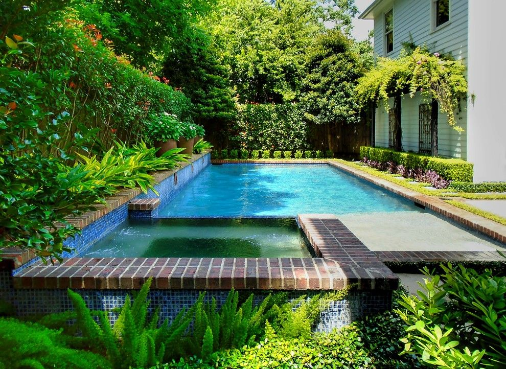 Enterprise Naples Fl for a Traditional Pool with a Pool Spa and Heights by David Morello Garden Enterprises, Inc.
