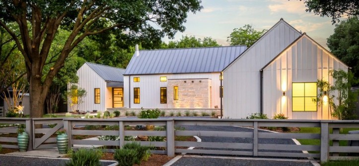 Fannin Tree Farm for a Farmhouse Exterior with a Gray Roof and Modern Farmhouse in Dallas, Texas by Olsen Studios