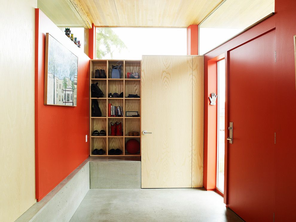 Grandview Heights Schools for a Industrial Entry with a Built in Shelves and L2q House by Peter Cohan Architect