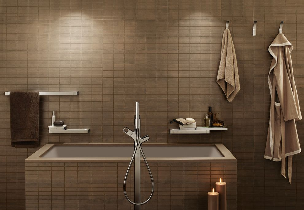 Granite Run Gmc for a Modern Bathroom with a Undermount Tub and Hansgrohe by Hansgrohe Usa