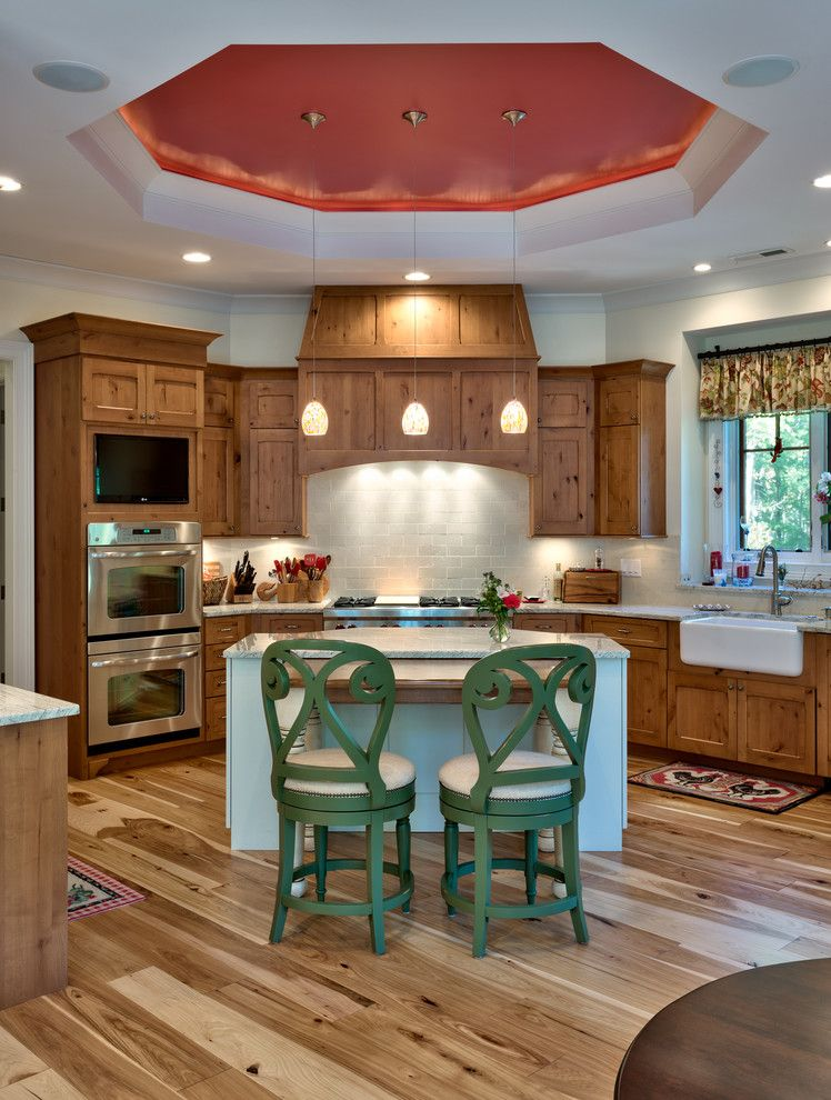 Grimesland Nc for a Traditional Kitchen with a Kitchen Island and Summer Vacation by Advance Cabinetry