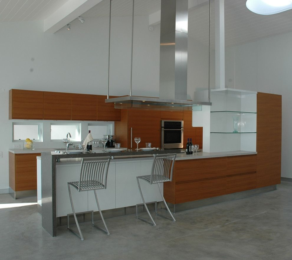 Gsh25jsdss for a Modern Kitchen with a Beams and Malibu Kitchen by Natalie Epstein Design