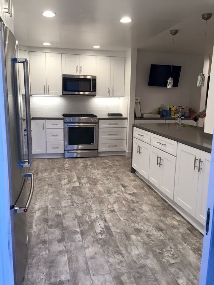Hahn Appliance Warehouse for a Contemporary Kitchen with a Recessed Lighting and Custom Kitchen Cabinets by Northridge Cabinet Warehouse