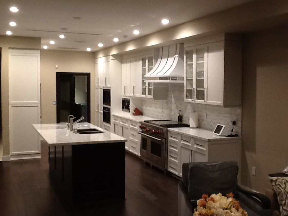 Hahn Appliance Warehouse for a Contemporary Kitchen with a White Trim and Custom Kitchen Cabinets by Northridge Cabinet Warehouse