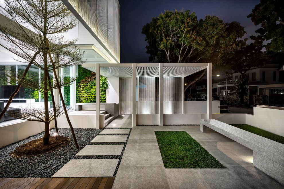 Hendrick House for a Contemporary Spaces with a Open Floor Plan and the Greja House by Park + Associates