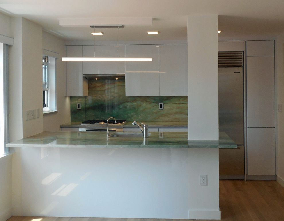 Highline Auto Sales for a Modern Kitchen with a Alnohighline and Down Town East Side Project by Retail Sales Manager / Designer / Alno New York