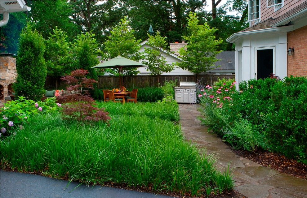 Hilliard Lawn and Garden for a Contemporary Landscape with a Coneflower and Lake Bluff, Il Modern Garden by Architectural Gardens, Inc