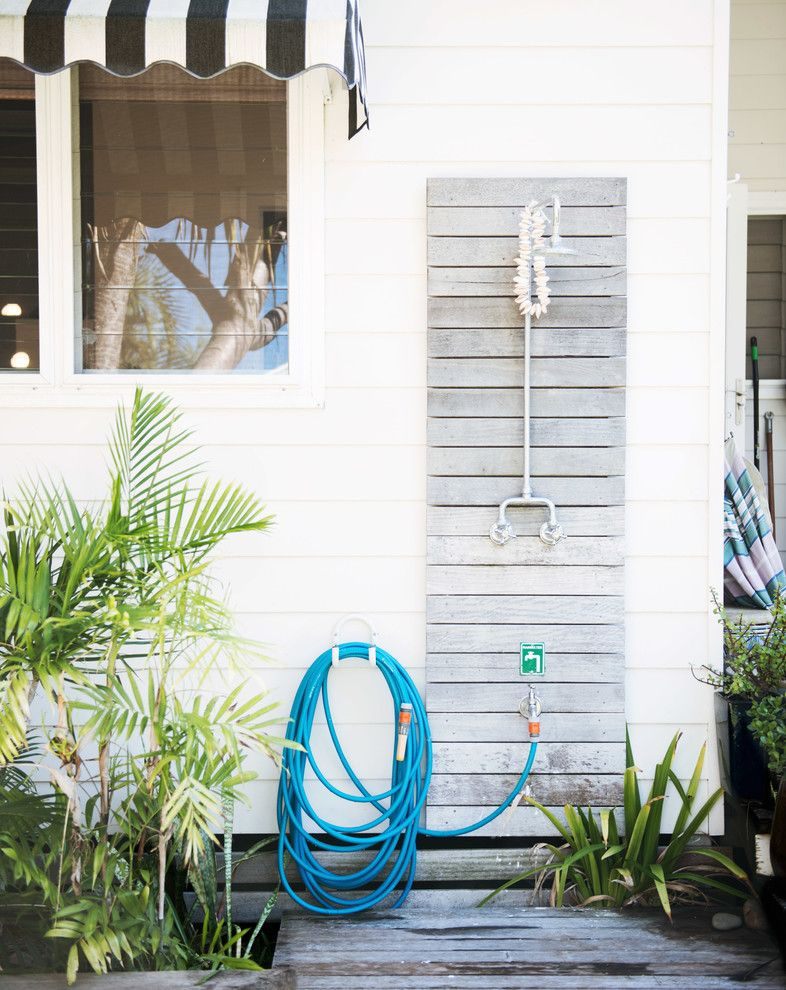Hooks Chicken and Fish for a Beach Style Exterior with a Holiday Home Decor and Holiday at Home by Mr Jason Grant