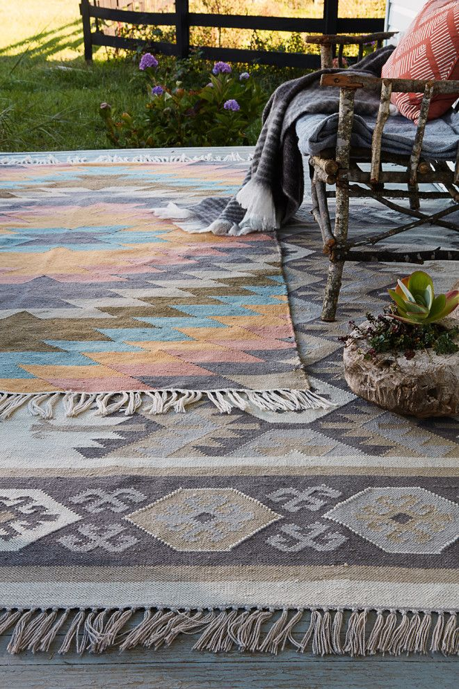 How to Clean Shag Rug for a Traditional Spaces with a Branch Bench and Jaipur Living by Jaipur Living