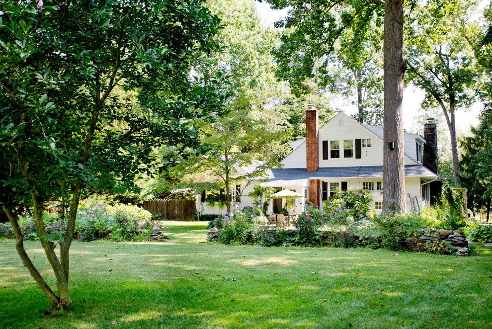How to Dry Hydrangeas for a Traditional Exterior with a Traditional and My Houzz: Classic East Coast Style in Maryland by Rikki Snyder