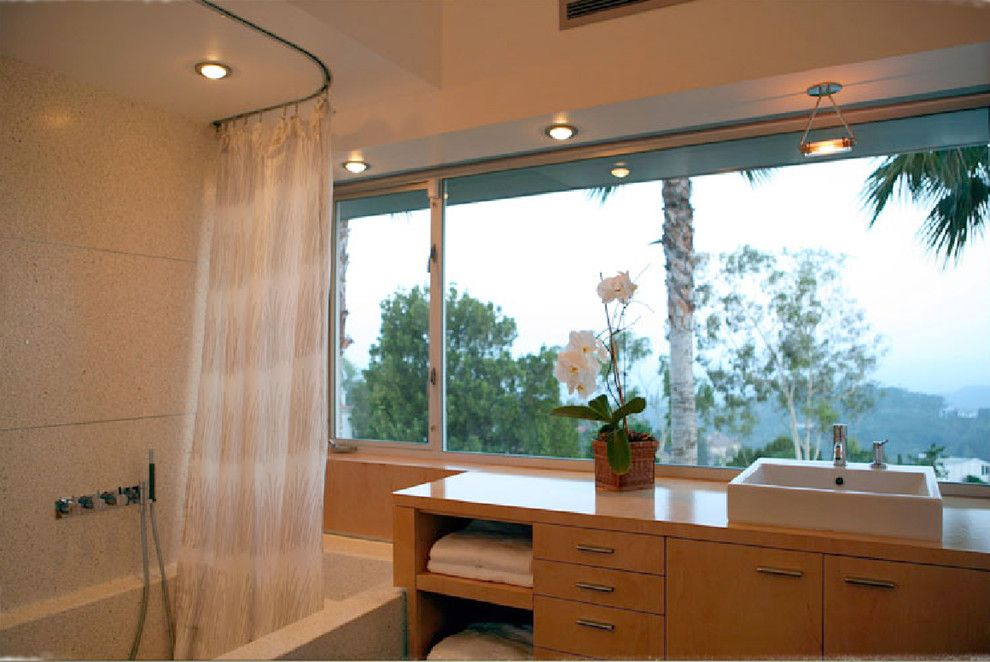 How to Install Curtain Rods for a Modern Bathroom with a Curtain Track and FCB:Design (Markus Canter) Project: Savona Road, Bel Air, CA 90077 by Markus Canter (FCB:Design)