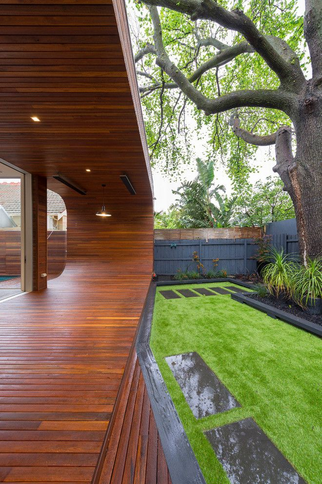 How to Lay Pavers for a Contemporary Deck with a Modern Extension and Carpenter Street by Dig Design