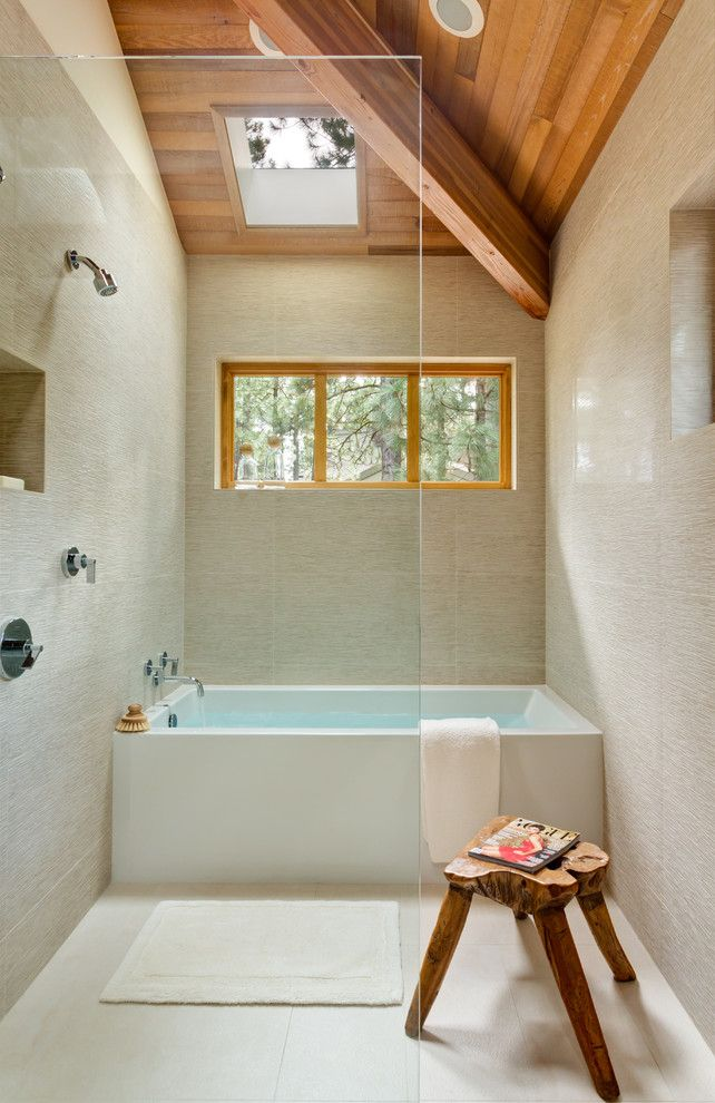 How to Unclog a Bathtub Drain for a Modern Bathroom with a Neutral Tones and Black Butte Ranch by Giulietti Schouten Architects
