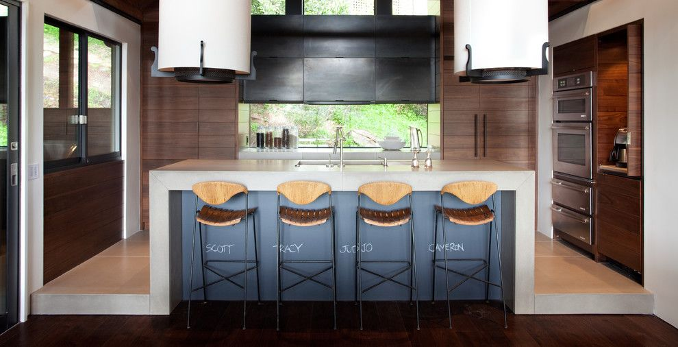 How to Use Annie Sloan Chalk Paint for a Contemporary Kitchen with a Breakfast Bar and Contemporary Kitchen by Sb architects.com