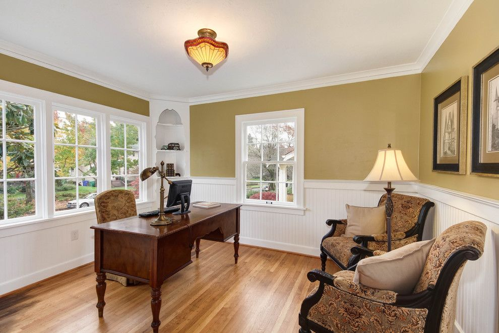 Hpw Real Estate School for a Traditional Home Office with a Armchairs and Real Estate/architectural by Ash Creek Photo