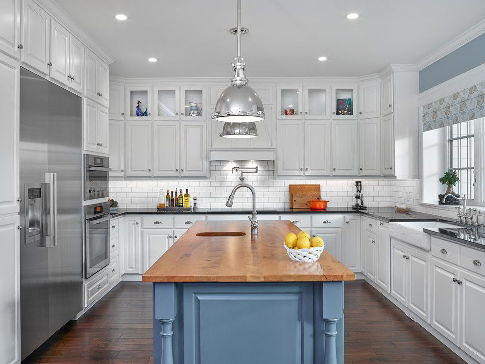 Hudson Appliance for a Traditional Kitchen with a Traditional and Prairie Federal by Effect Home Builders Ltd.
