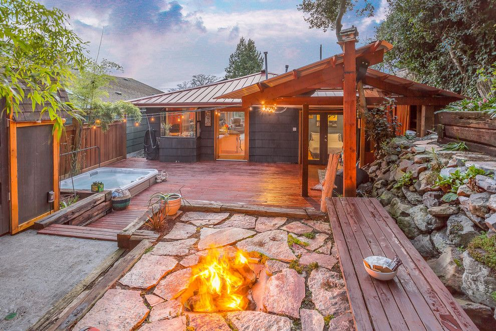 Huntington Beach Fire Pits for a Beach Style Spaces with a Northwest and Queen Anne Beach Bungalow by Cassie Daughtrey Realogics Sotheby's Realty