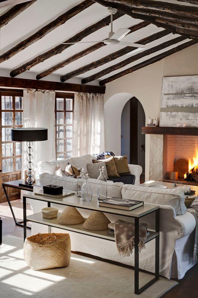 Ikea Canton Mi for a Farmhouse Living Room with a Vaulted Ceiling and Casa Lexington Guadalmina by Masfotogenica Fotografia