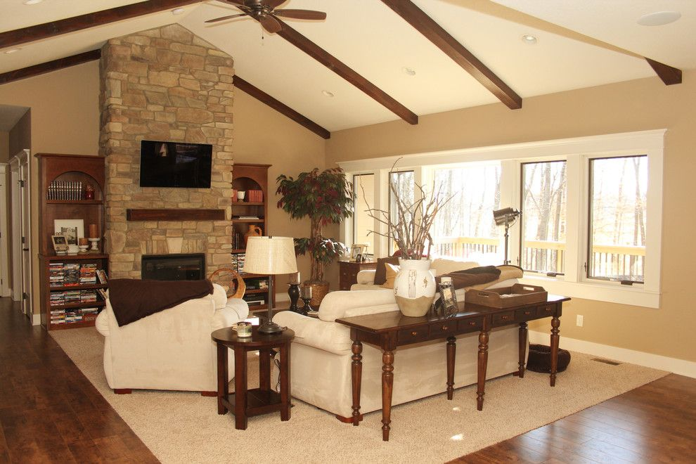 Iowa Realty Des Moines Ia for a Traditional Living Room with a White Trim and Des Moines Iowa by Bella Homes