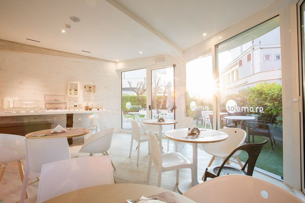 Ippolitos for a Modern Spaces with a Modern and Hotel Solemare   Cervia (Ra) by Luca Ippolito