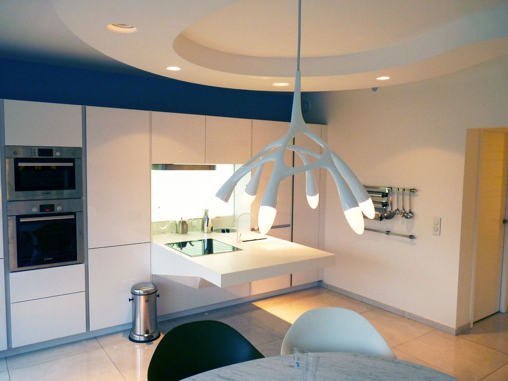 Jacobsen Homes for a Contemporary Kitchen with a Fauteuil Egg and Appartement Organique a Neuilly by Julien Taub   Architecte Dplg