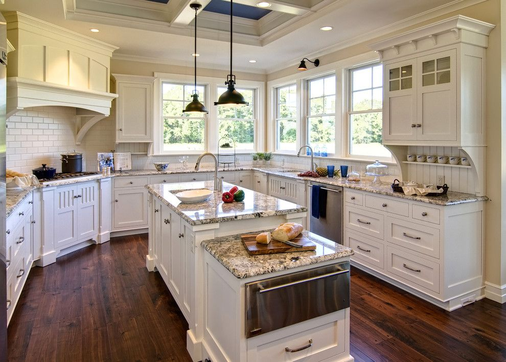 Johns Appliance for a Traditional Kitchen with a Corner Hood and Farinelli Construction Inc by Farinelli Construction, Inc.