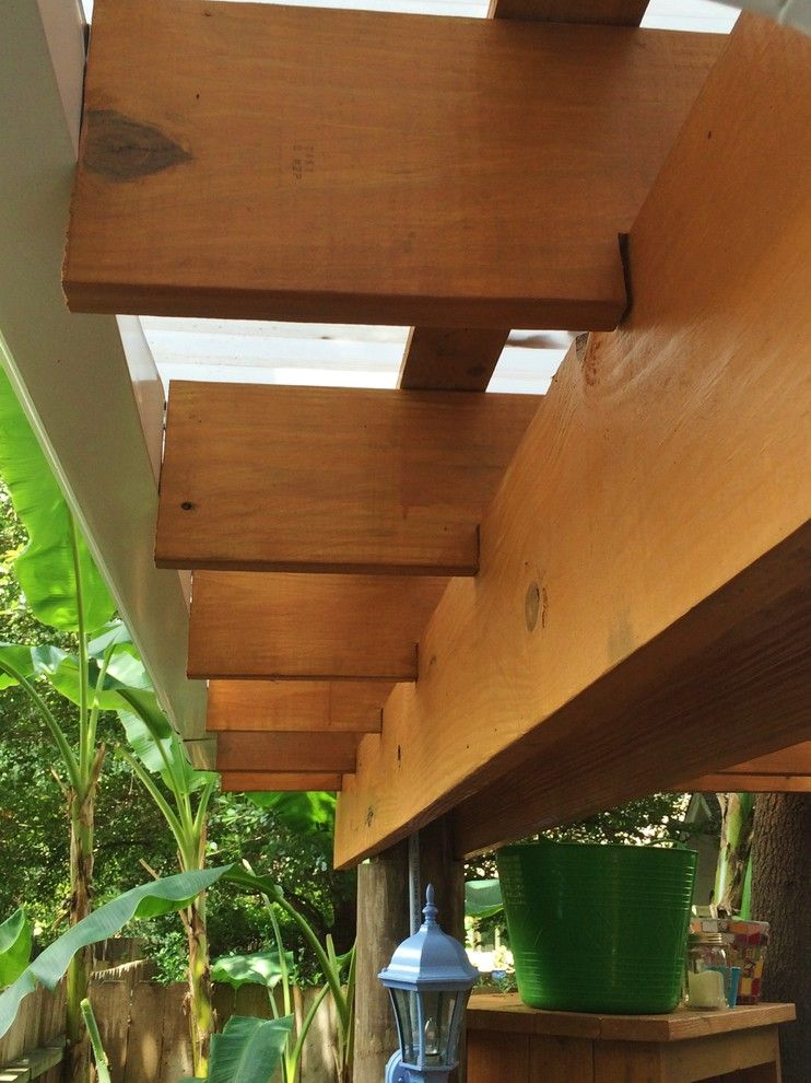 Kabloom for a Eclectic Patio with a Custom Yard and Swifts 2015 by Kabloom Landscaping