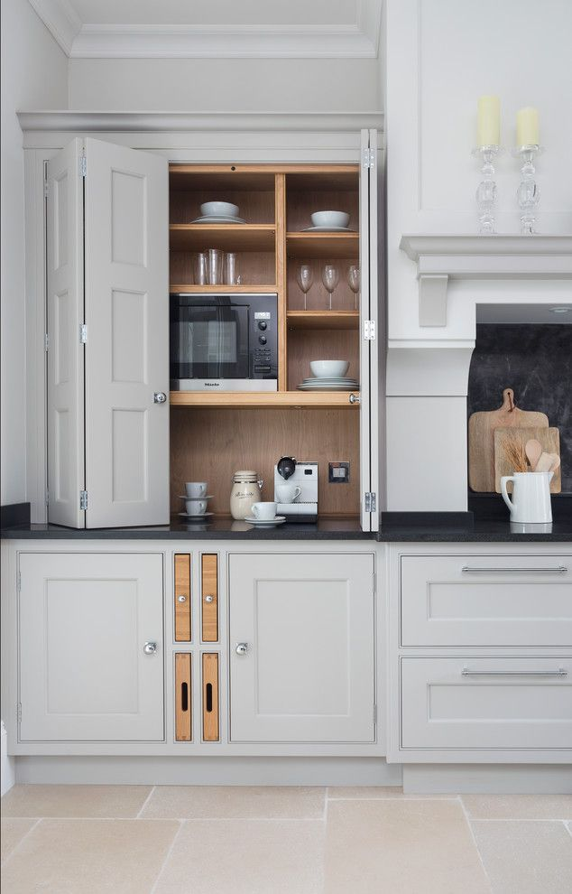 Kettle Moraine Appliance for a Transitional Kitchen with a Bespoke Kitchen and Hampshire by Lewis Alderson & Co.
