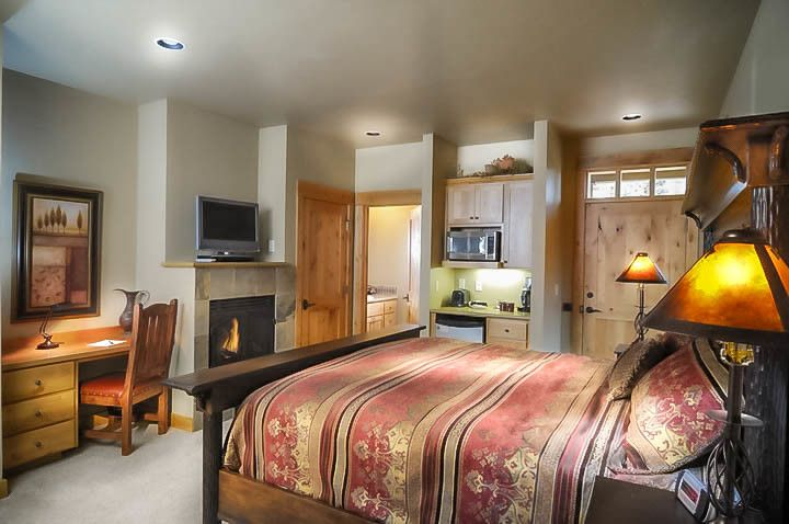 King Ranch Turfgrass for a Farmhouse Bedroom with a Rustic Siding and Brasada Ranch Resort – Rimrock 1 Story Cabin with Lock Offs (For Rental) by Western Design International