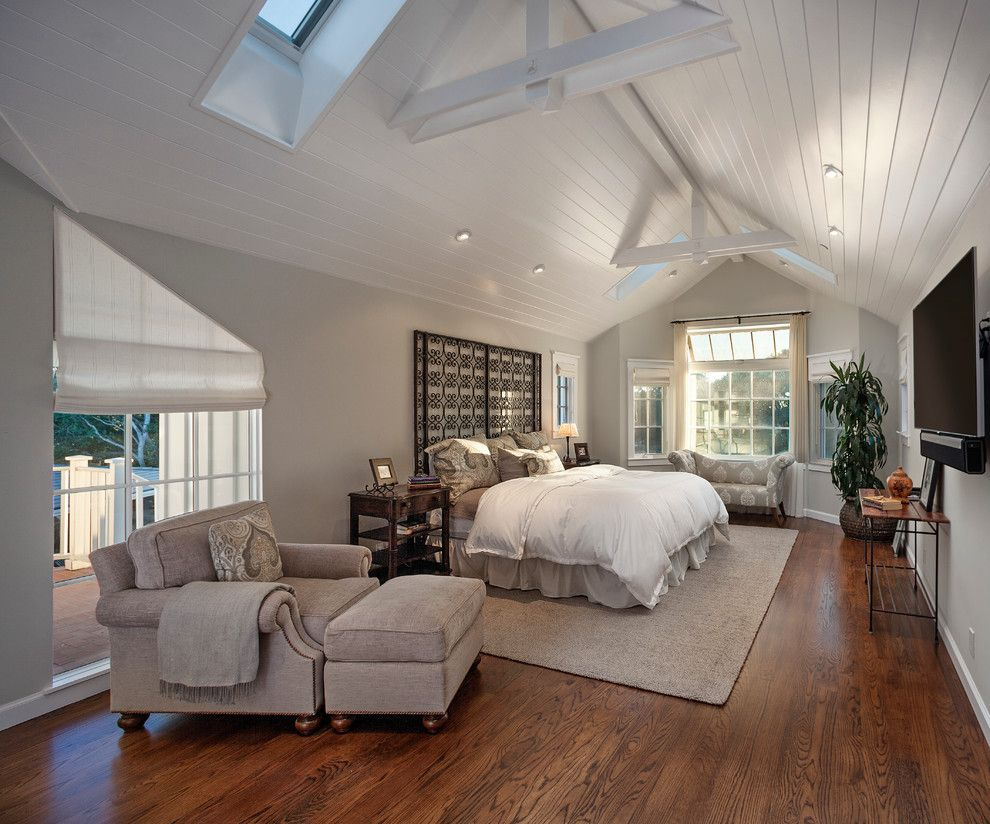 King Ranch Turfgrass for a Farmhouse Bedroom with a Wood Beams and Santa Barbara Hope Ranch 2 by Andrulaitis + Mixon