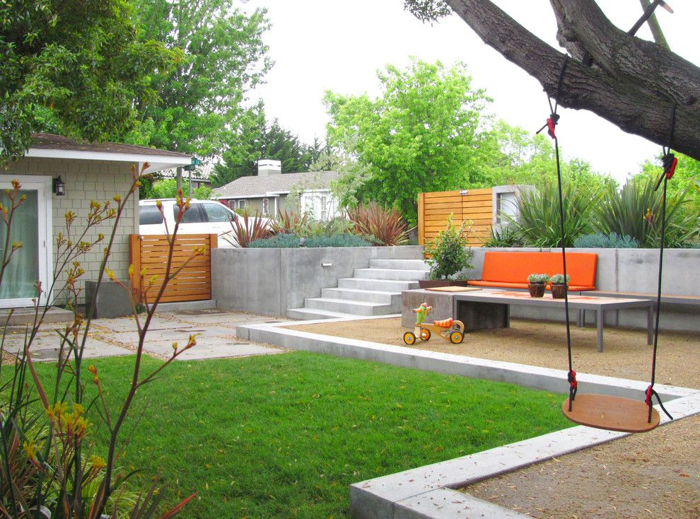 Koit for a Contemporary Landscape with a Retaining Wall and Modern Transformation by Shades of Green Landscape Architecture