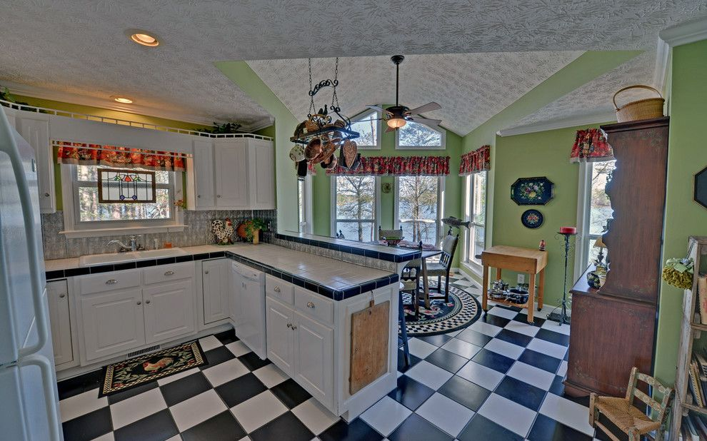 Lake Glenville Nc for a Traditional Kitchen with a Estate and Lake Hartwell Custom Homes by Envision Web