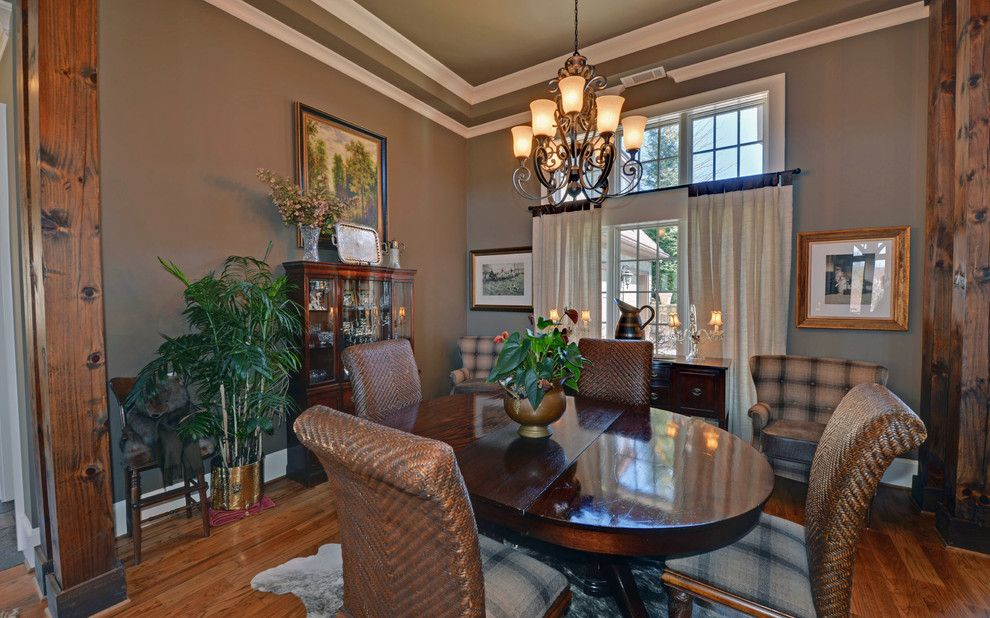 Lake Nona Country Club for a Craftsman Dining Room with a Waterfall Club and Waterfall Country Club / Lake Burton Club by Envision Web